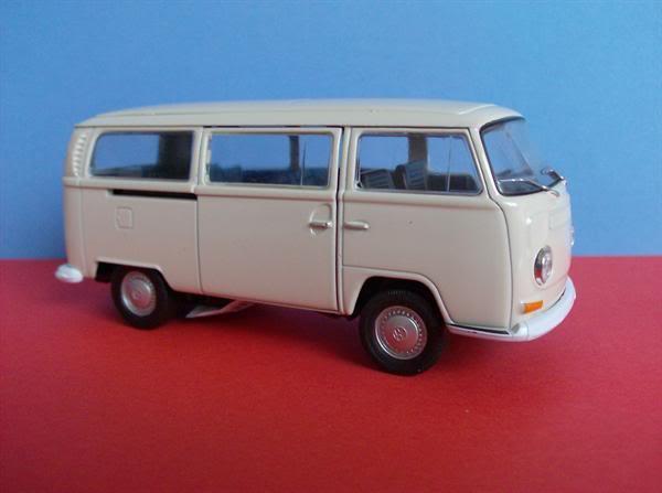 VW Kombi T2 escala 1/38 da Welly KombiT2WellyMedio8