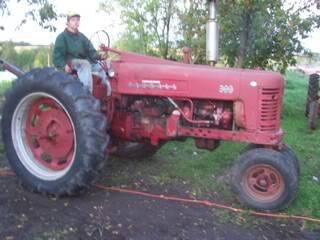 1956 Farmall 300 100_3162