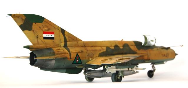 من ارشيف حرب الخليج الاولى : اسقاط مقاتله F-14 ايرانيه بواسطه Mig-21 عراقيه عام 1981 DSC_6239