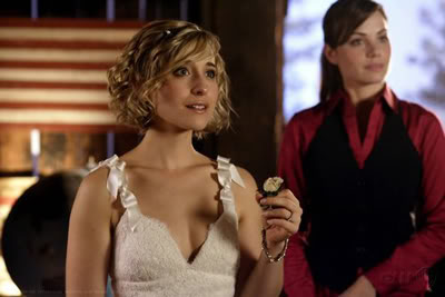 5x04 On White - Página 12 AllisonMack45