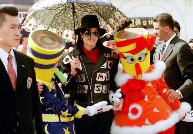 Raridades: Somente fotos RARAS de Michael Jackson. - Página 3 99