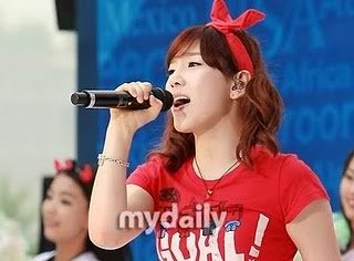Tổng hợp pics SNSDWorldCupCheeringPictures18