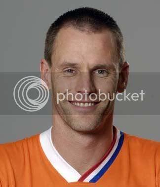 ถ้าคิดว่าแน่เรื่องนักฟุตบอล มาต่อชื่อกัน พร้อมบอกสโมสรหรือทีมชาตินักเตะคนนั้นด้วย - Page 3 AndreOoijer