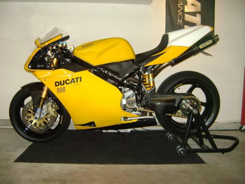 Superbike Ducati 916, 996, 998 et 748 - Page 5 DSC01109_lores