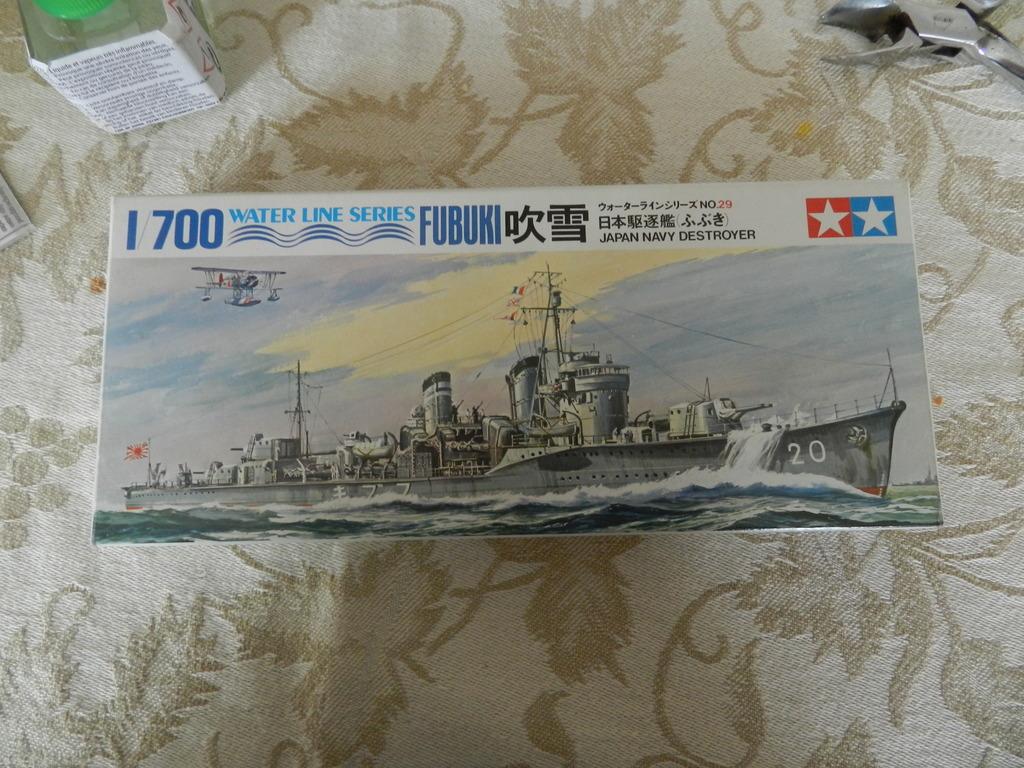 Akagi Trois ponts Hasegawa 1/700 et son escorte DSCN09321_zpsi46smc0l