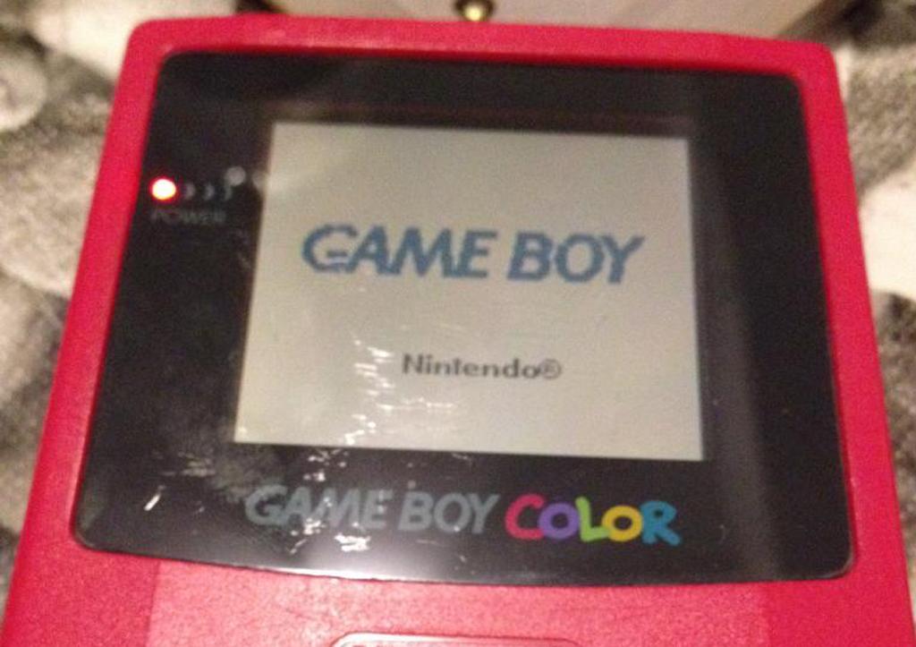 [MINI TUTO] Reparando una Game Boy Color que no enciende Foto3_zps1a49fc1d
