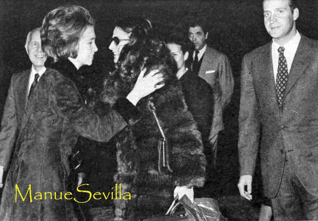 Boda de los Duques de Cádiz, Alfonso y María del Carmen - Página 2 17