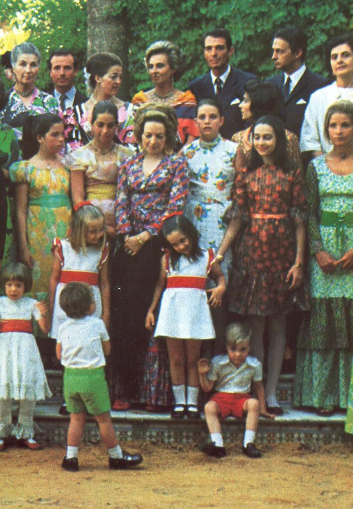 Boda Alejandro de Yugoslavia y Mª da Gloria de Orleans - Página 2 06Grupo