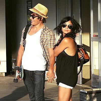 Vanessa & Zac Cute