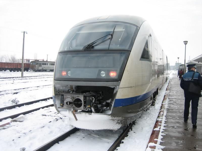 901 : Bucuresti Nord - Titu - Pitesti - Piatra Olt - Craiova IMG_4438