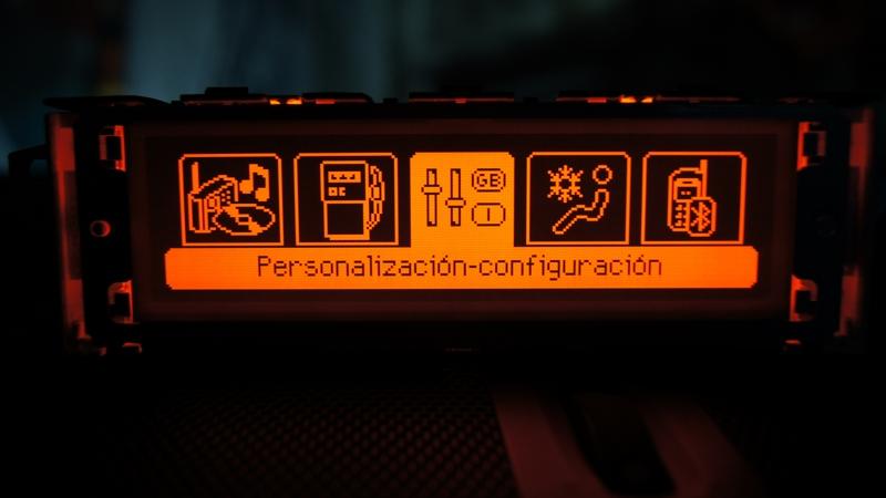 Vendo Pantallas Multifunción (C) para Peugeot 407 y compatibles DSC05458_zpsd3828bf2