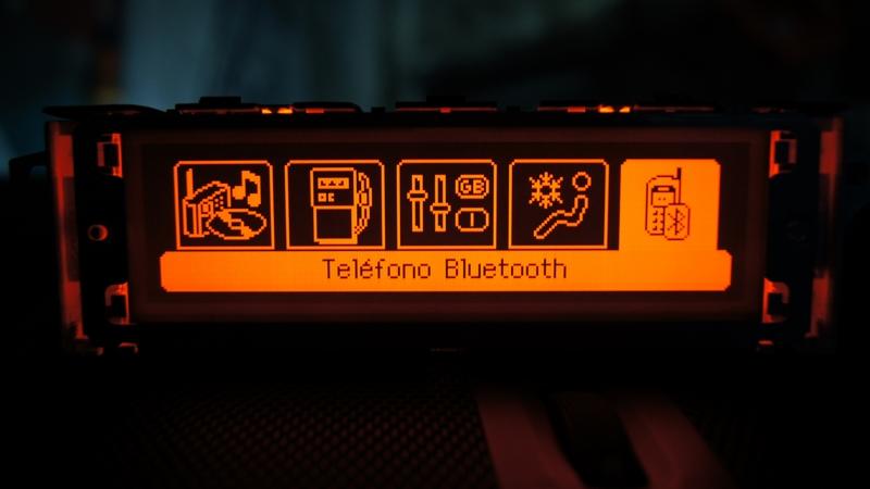 Vendo Pantallas Multifunción (C) para Peugeot 407 y compatibles DSC05460_zpsd282bb8b