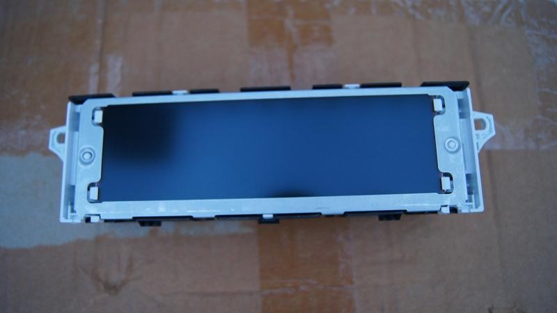 Vendo Pantallas Multifunción (C) para Peugeot 407 y compatibles DSC05462_zps9f252e8b