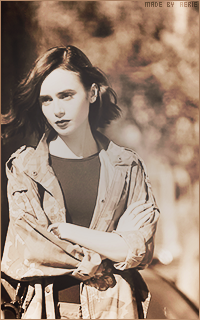 Lily Collins 042_zps5f5bnfue