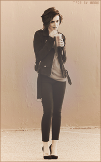 Lily Collins 052_zps8ztc7c8h