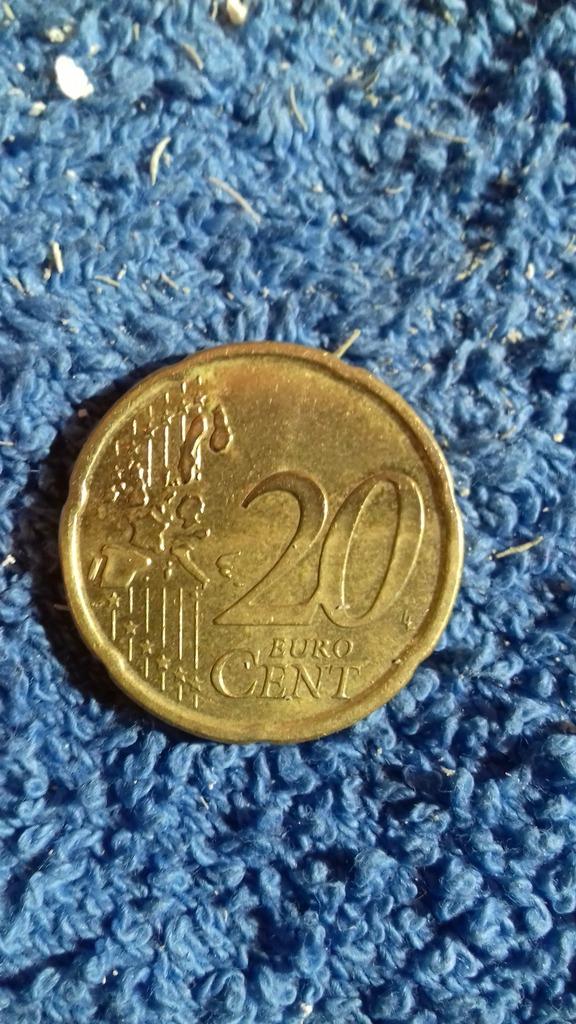 Limpieza de monedas euro con bajo interes numismatico 20180415_214853_zpswdm3igta