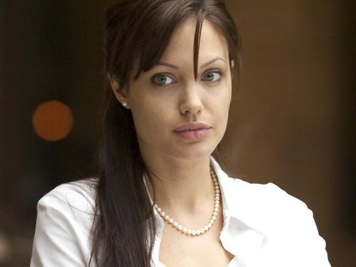 Angelina Jolie / ანჯელინა ჯოლი - Page 2 A4692c9078d1652e1cb9142034b29386