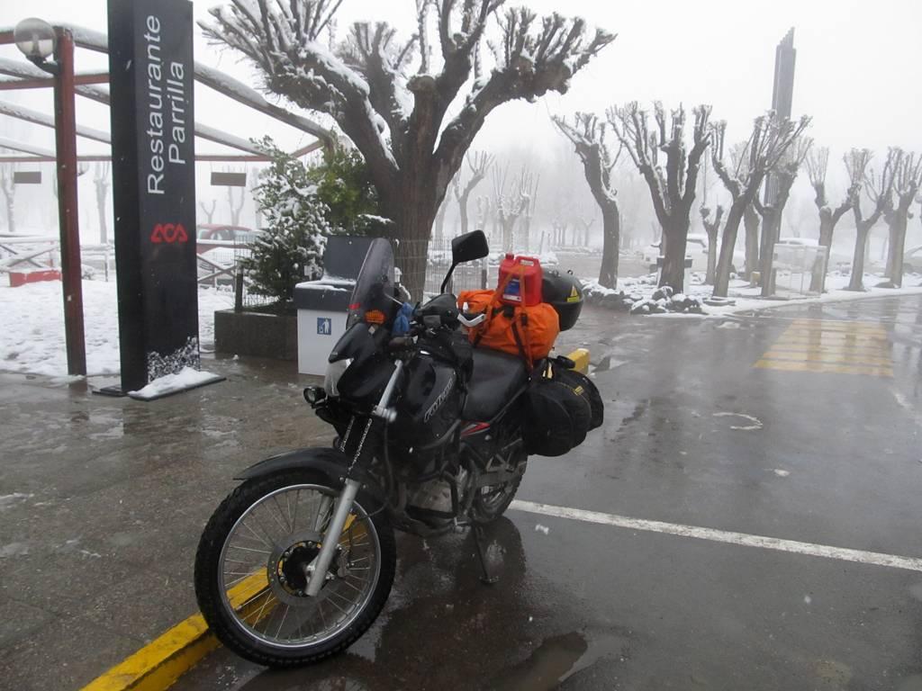 Neuquen, Pehuenia, Alumine...Travesia ripiera y nevada 1pehuenia%20003
