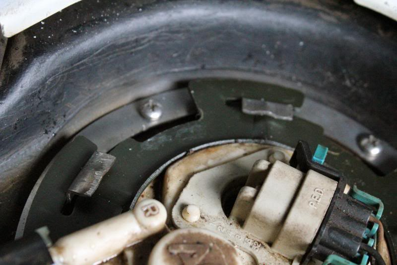 Rusty Fuel Tank Tab Repair IMG_1981_zps1dad69ea