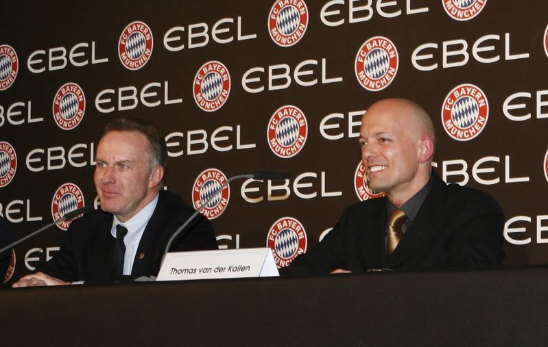Avant Première FAM : EBEL signe avec le Bayern de Munich EbelFCBayernPressConference21