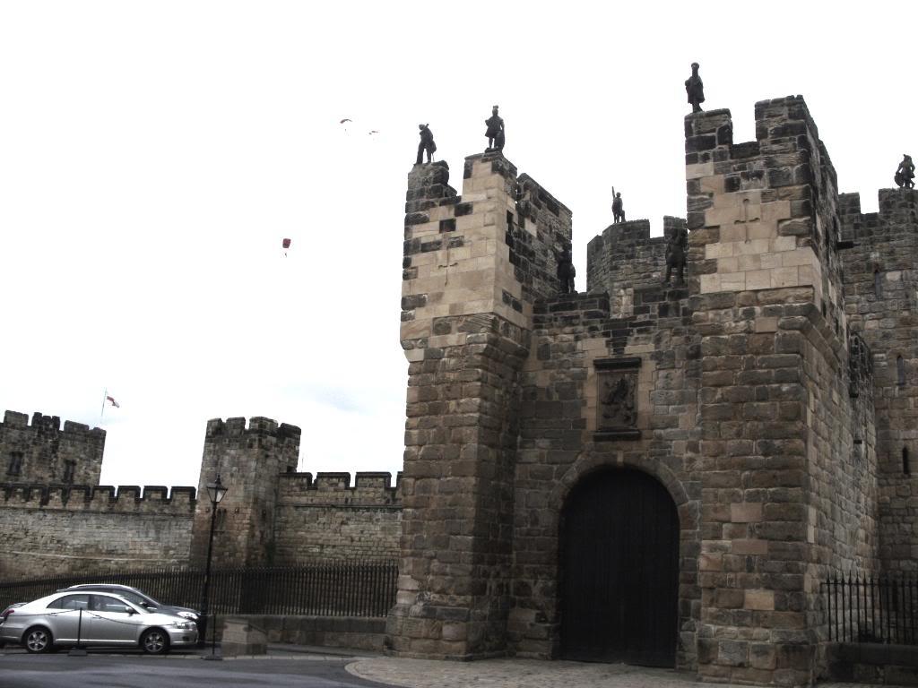 Alnwick - Alnwick Castle SDC12144
