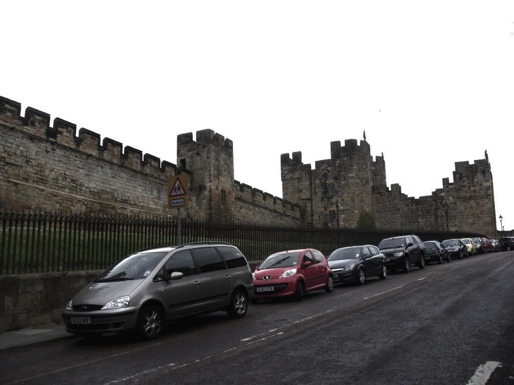 Alnwick - Alnwick Castle SDC12146