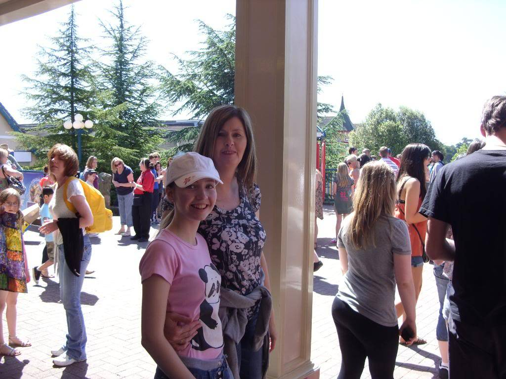 Alton Towers Theme Park Review SDC12047