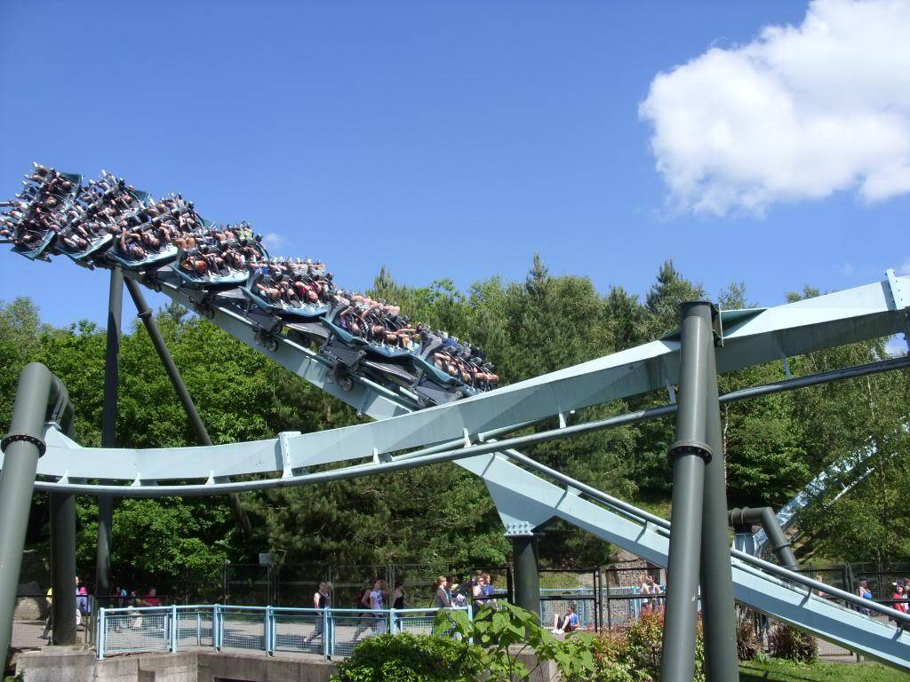 Alton Towers Theme Park Review SDC12113