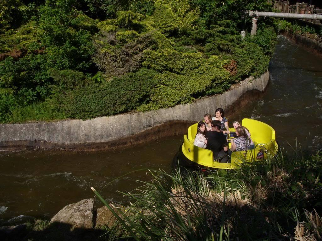 Alton Towers Theme Park Review SDC12118