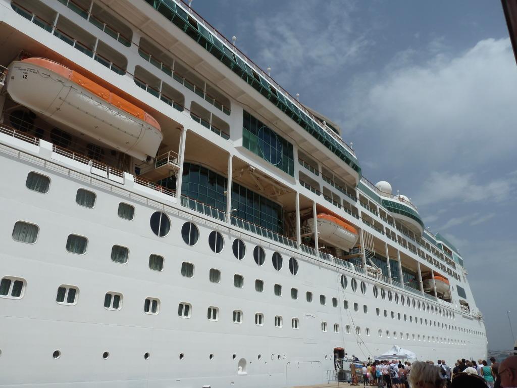 Grandeur of the Seas/med cruise  P1110798