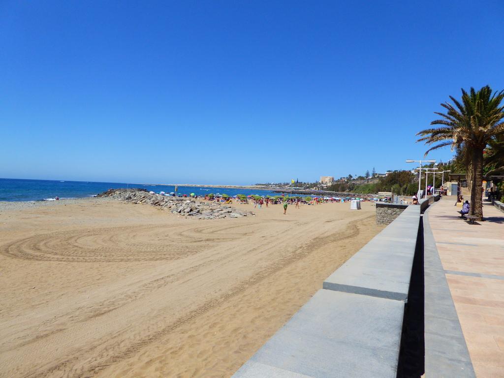 Canary Islands, Playa Del Ingles, Maspalomas  P1010087