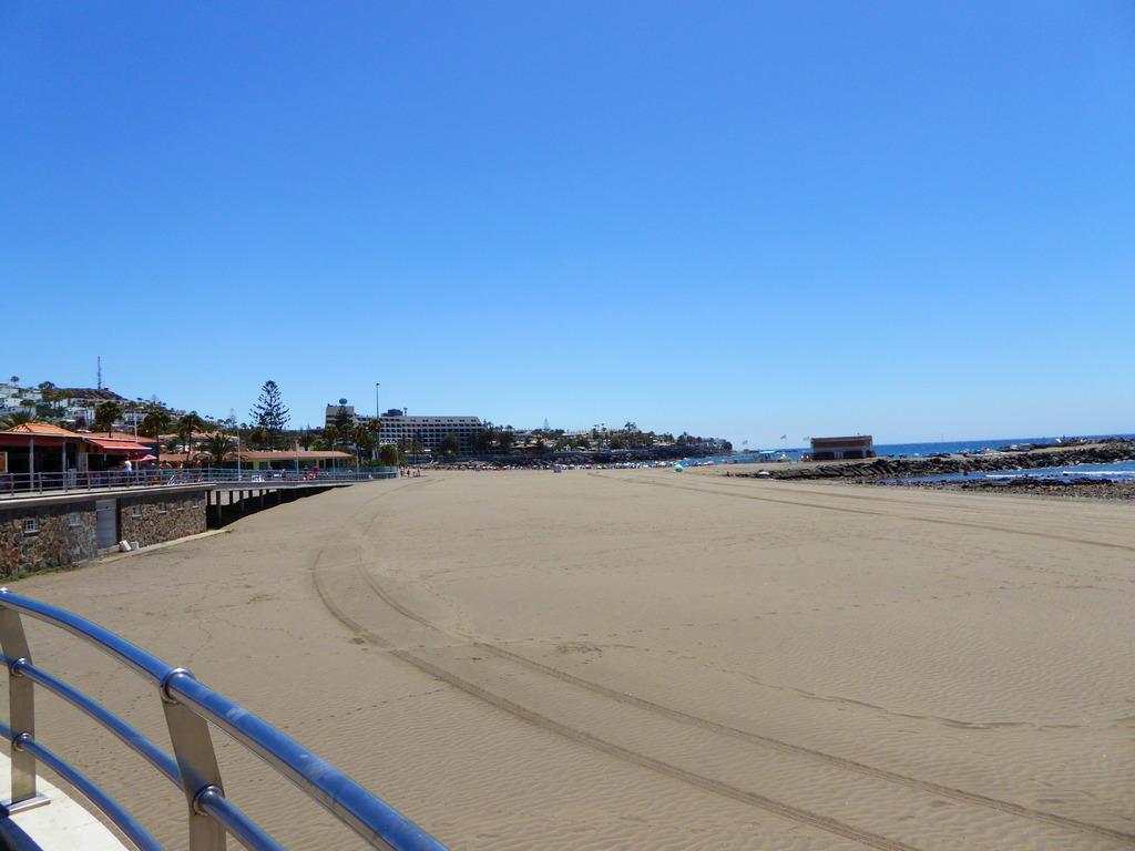 Canary Islands, Playa Del Ingles, Maspalomas  P1010088