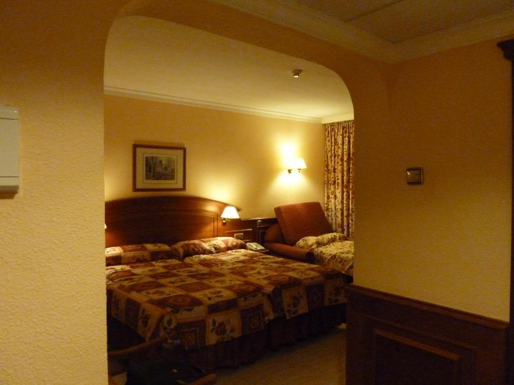 Canary Islands, Tenerife, Playa De las Americas, Hotel Vulcano P1090662