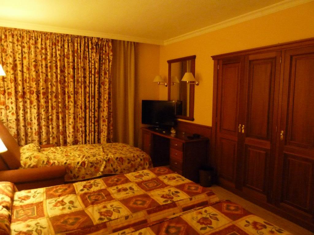 Canary Islands, Tenerife, Playa De las Americas, Hotel Vulcano P1090664
