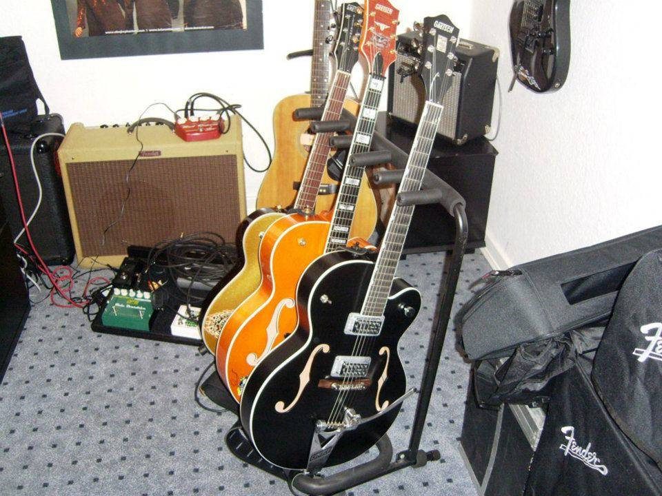 Welcome to the new forum, tell me about your rocking geetar! Gretschrig