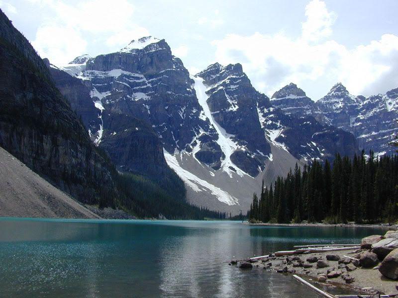 நான் ரசித்த மலைகளின் காட்சிகள் சில.... - Page 2 Lake_moraine