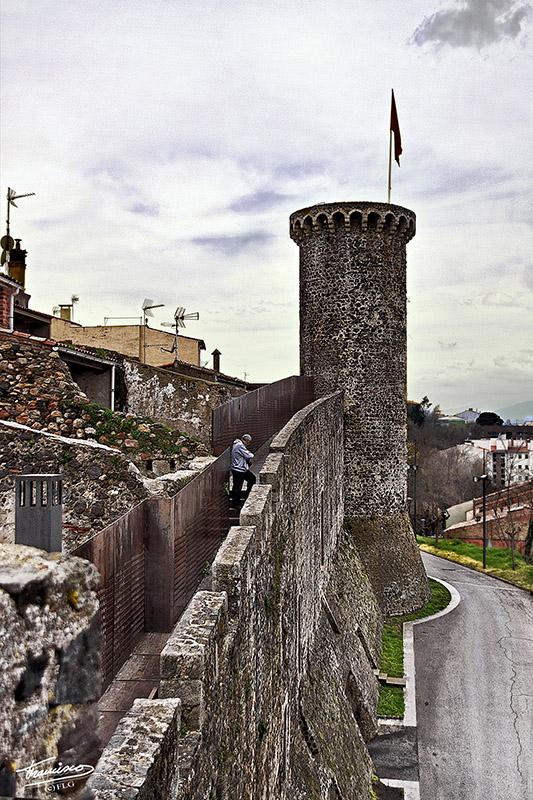 Muralla - Hostalric HOSTALRICII_031reduc_zpsb592c540