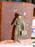 Un figurine terminée, tout un exploit pour moi Th_SSHLJ002_zps0b462818
