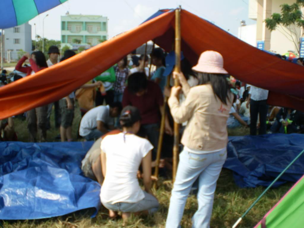Hình của lớp chụp kỷ niệm hội trại 26/03/2008 P3200003