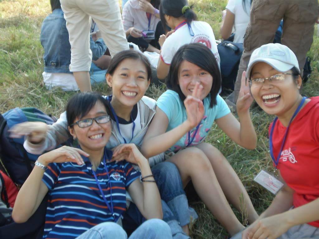 Hình của lớp chụp kỷ niệm hội trại 26/03/2008 P3200005