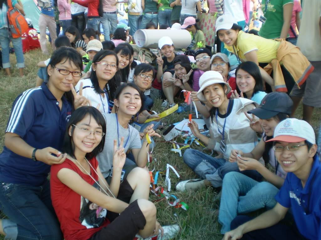 Hình của lớp chụp kỷ niệm hội trại 26/03/2008 P3200028