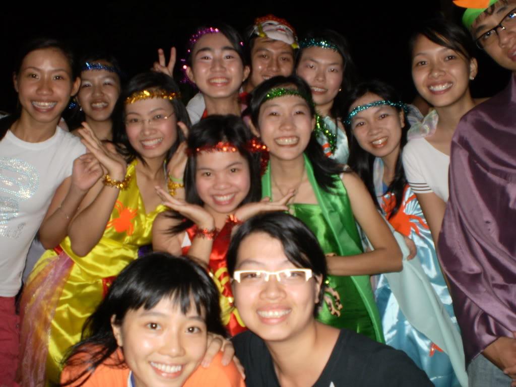 Hình của lớp chụp kỷ niệm hội trại 26/03/2008 P3200103