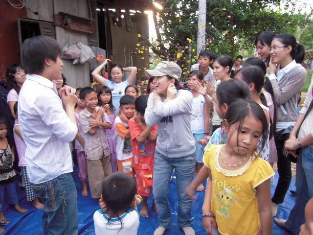 Hôi sách từ thiện Picture128