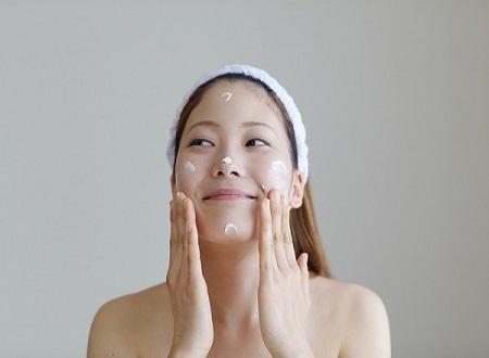 Những điều lưu ý khi chăm sóc da ban đêm Boi-kem-duong-am_zps592575a0