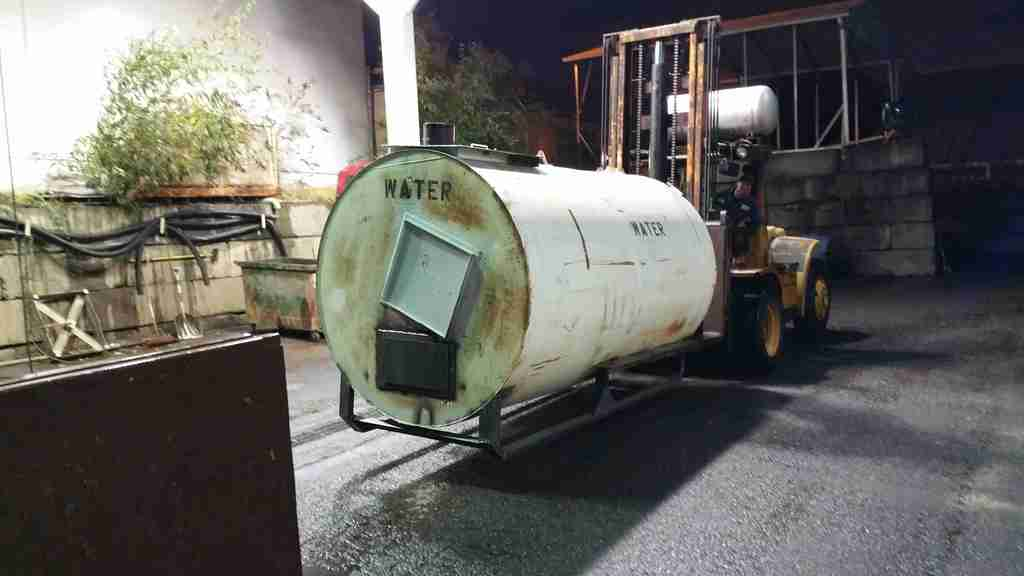 2,600 Gallon Rocket Water Heater 20151010_191452_001_zps4cdf8e25