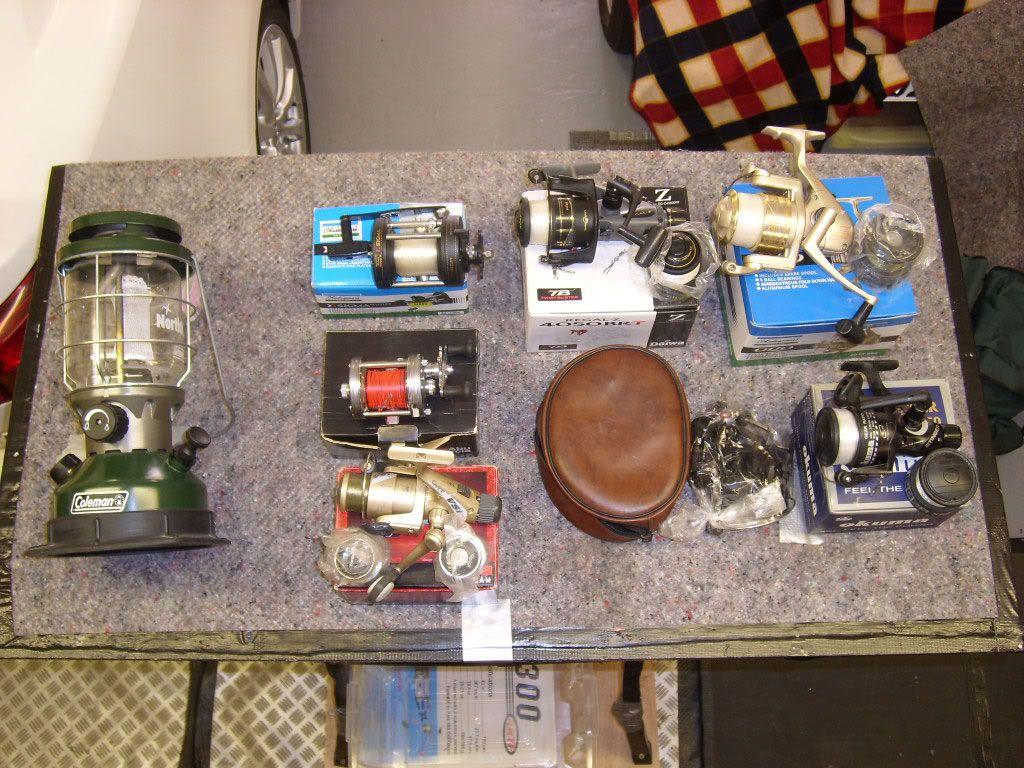 Fishing equipment Box-3-reels-and-lamp