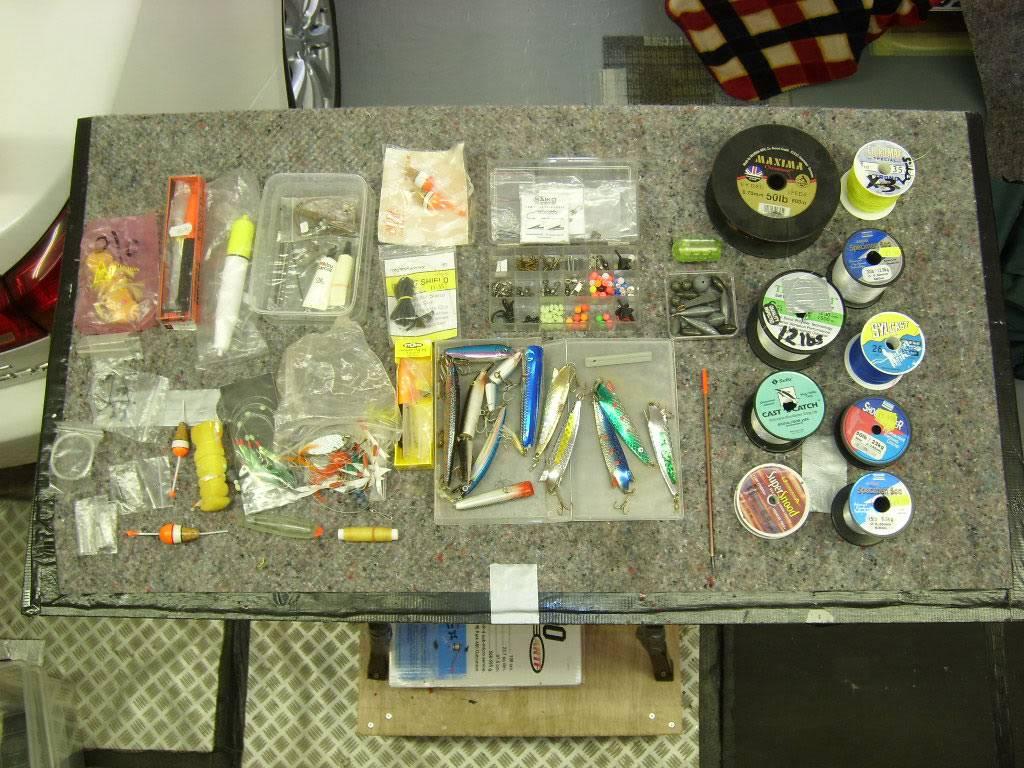 Fishing equipment Box1-plugs-etc