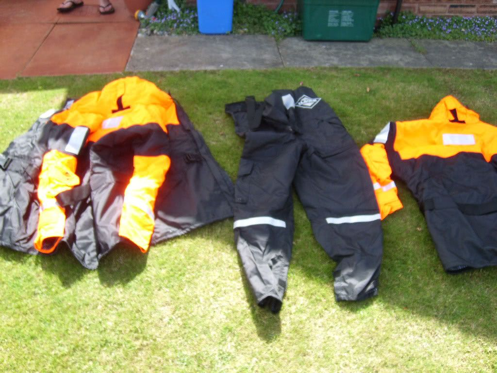 Fishing equipment Suits
