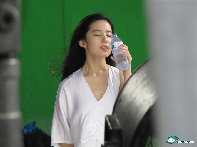 [2010] ถ่ายโฆษณาน้ำดื่ม Aersan_阿尔山  573a0cd76f56d383a144dfb2