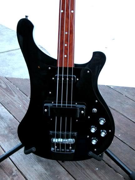 Mostre o mais belo Rickenbacker que você já viu Blackie2